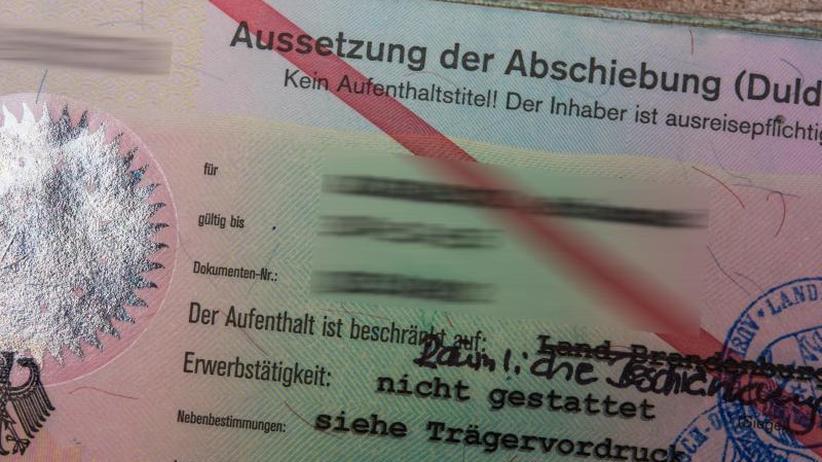 """""""Spiegel""""-Bericht: Frustrierte Flüchtlinge verkaufen deutsche Papiere"""