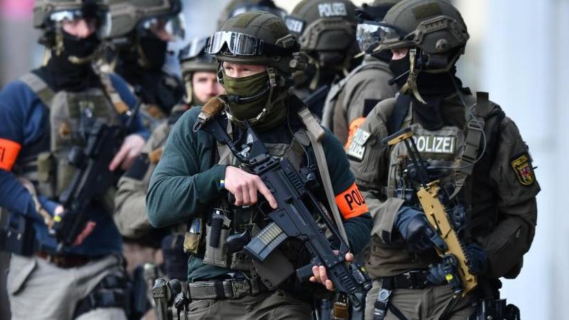 In vier Bundesländern: Razzia gegen mutmaßliche Rechtsterroristen
