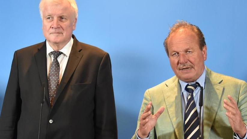 Bsirske und Seehofer zufrieden: Mehr Geld für öffentlichen Dienst