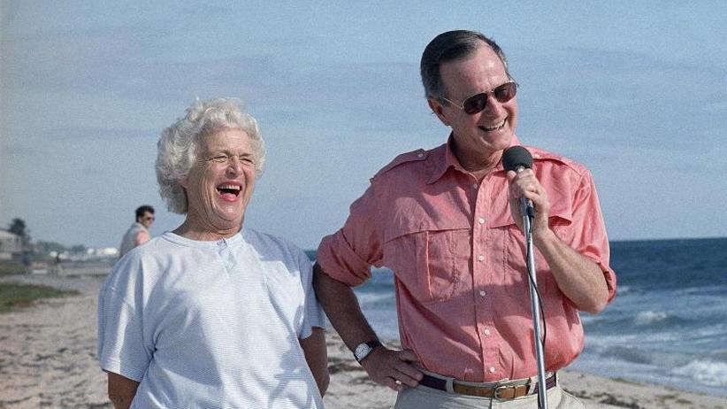 Porträt: Politiker-Gattin der alten Garde: Barbara Bush ist tot