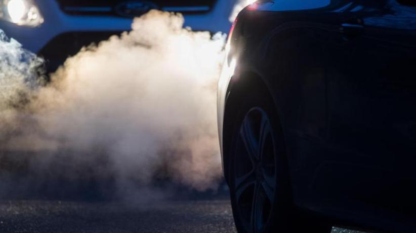 Minister fordert Zeitplan: Scheuer pocht im Dieselskandal auf Software-Updates