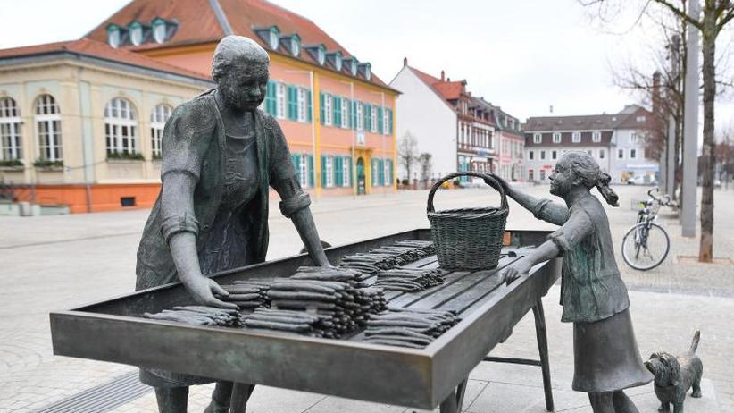 """350 Jahre Spargelanbau: Schwetzingen feiert sein """"weißes Gold"""""""