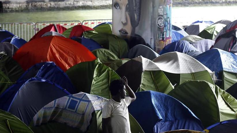Nach 61-stündiger Debatte: Frankreich billigt schärfere Asylgesetze