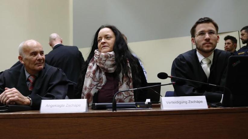Plädoyers im NSU-Prozess: Verteidiger fordern für Zschäpe maximal zehn Jahre Haft