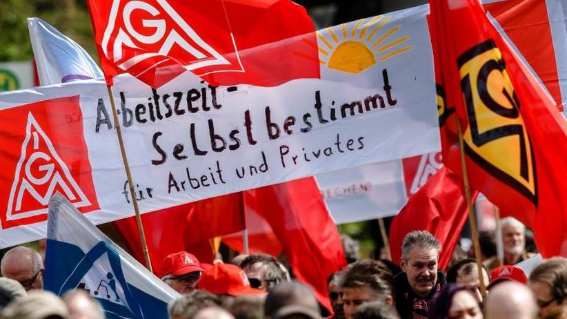"""Hauptthema: Hartz-IV-Reformen: DGB-Kundgebungen im Zeichen von """"Solidarität"""" und """"Vielfalt"""""""