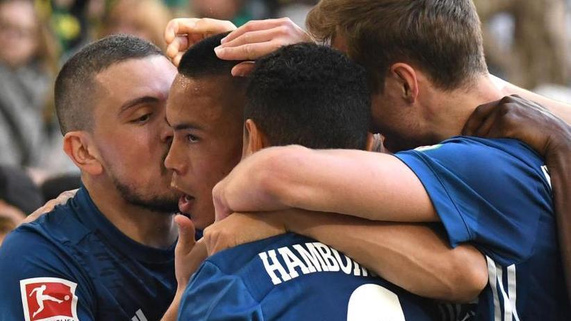 Abstiegskampf: HSV und Wolfsburg suchen den Rettungsring