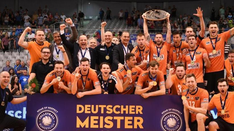 Sieg gegen Friedrichshafen: Berlin erneut deutscher Volleyball-Meister