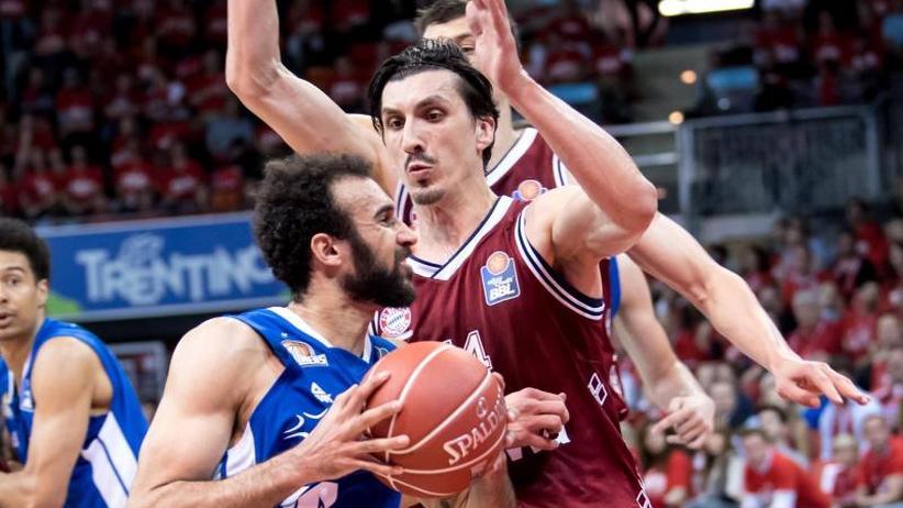 Basketball-Bundesliga: Frankfurt ärgert Bayern - Bamberg führt 2:0