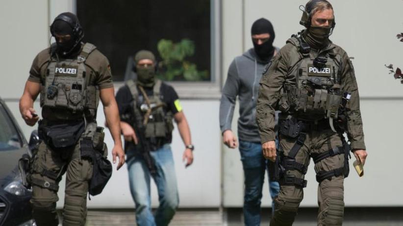 Prozess im Heimatland: Hessen schiebt Terrorverdächtigen nach Tunesien ab