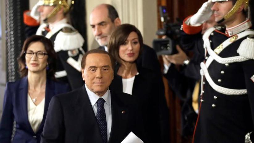 Neuwahl im Sommer?: Regierungskrise in Rom: Lega und Fünf Sterne verhandeln noch