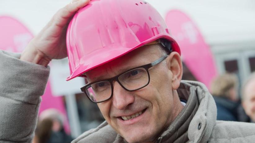 Höhere Ergebnisprognose: Telekom vom starken Euro belastet