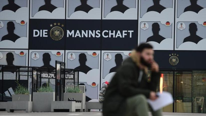 Vorläufiger Kader: Löws WM-Klebewand: Echte Härtefälle in Südtirol