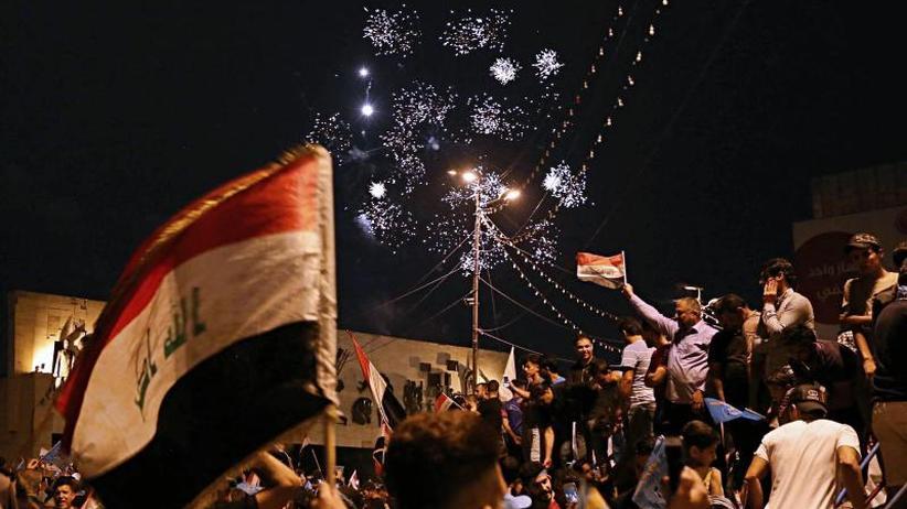 Parlamentswahl im Irak: Widersacher vorne: Schiitenprediger liegt vor Regierungschef