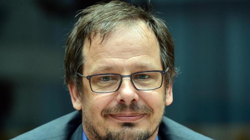 Seltsames Spiel: Seppelt darf nach Russland und wird vernommen