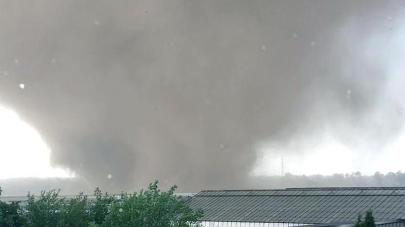 """Fragen und Antworten: """"Jeder Tornado kann lebensgefährlich sein"""""""