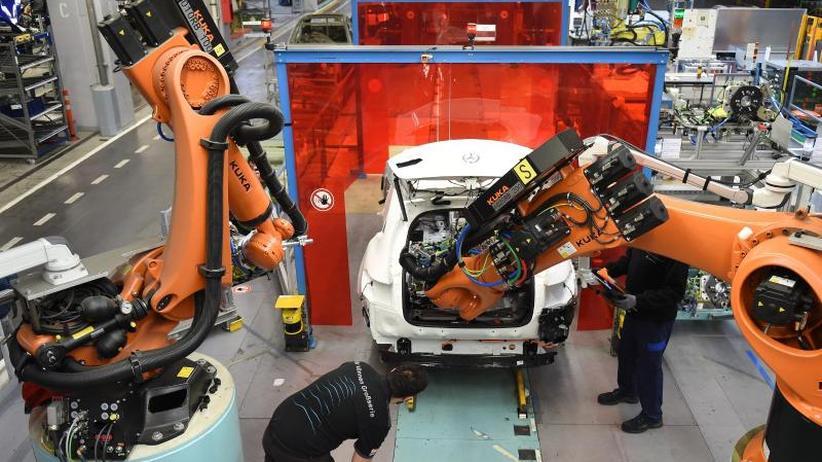 Einzug von Robotern: Digitalisierung: Arbeitnehmer fühlen sich schlecht gerüstet