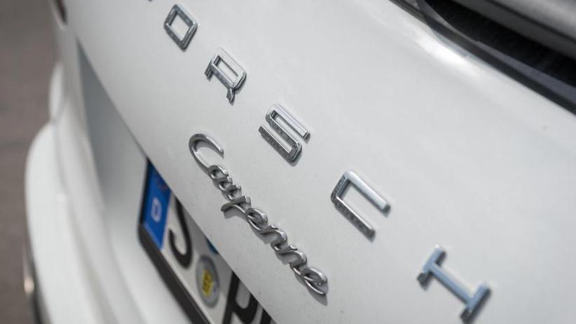 Abschalteinrichtung: Kraftfahrt-Bundesamt ordnet Rückruf von 60.000 Porsche an