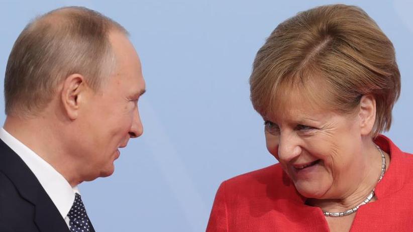 Eintägiger Arbeitsbesuch: Merkel und Putin sprechen über internationale Krisen