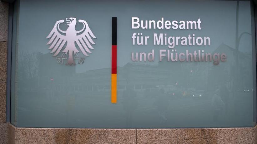 Nach Bremer Asyl-Skandal: Erste Hinweise auf manipulierte Asylbescheide Anfang 2016