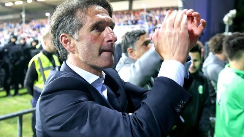 Nach Klassenerhalt: Schmadte deutet Wolfsburger Neuaufbau mit Labbadia an