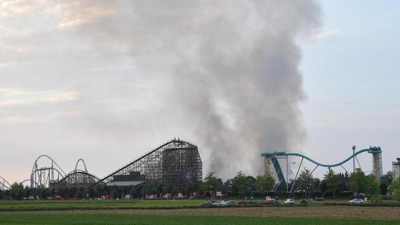 Millionenschaden: Feuer im Europa-Park Rust ist gelöscht