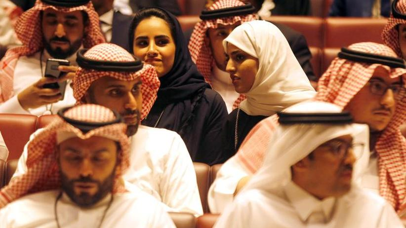 Bis zu fünf Jahre Haft: Saudi-Arabien will sexuelle Belästigung unter Strafe stellen
