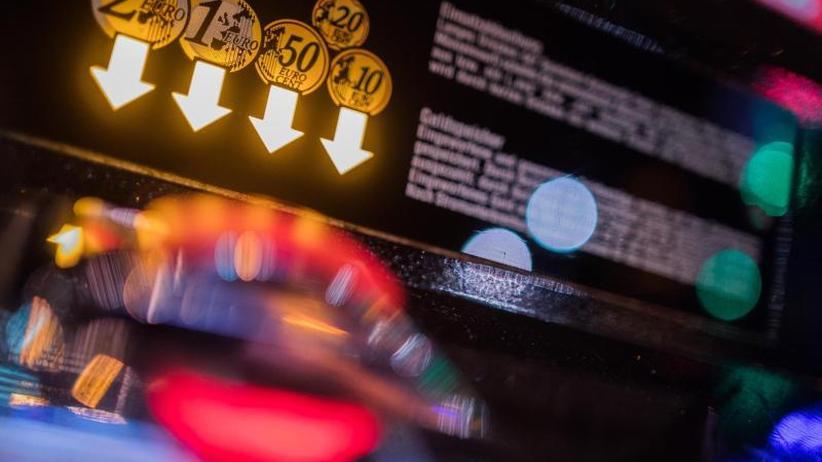 """Milliardenmarkt Glücksspiel: Hessen fordert Durchgreifen gegen """"Café-Casinos"""""""
