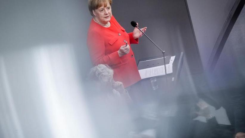 Fragerunde im Bundestag: Merkel rechtfertigt Flüchtlingspolitik der Bundesregierung