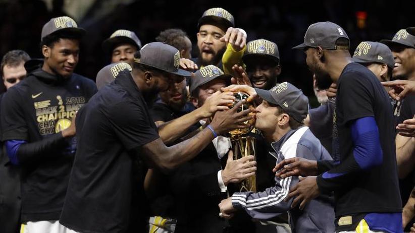 Basketball-Profiliga: Golden State Warriors verteidigen NBA-Titel