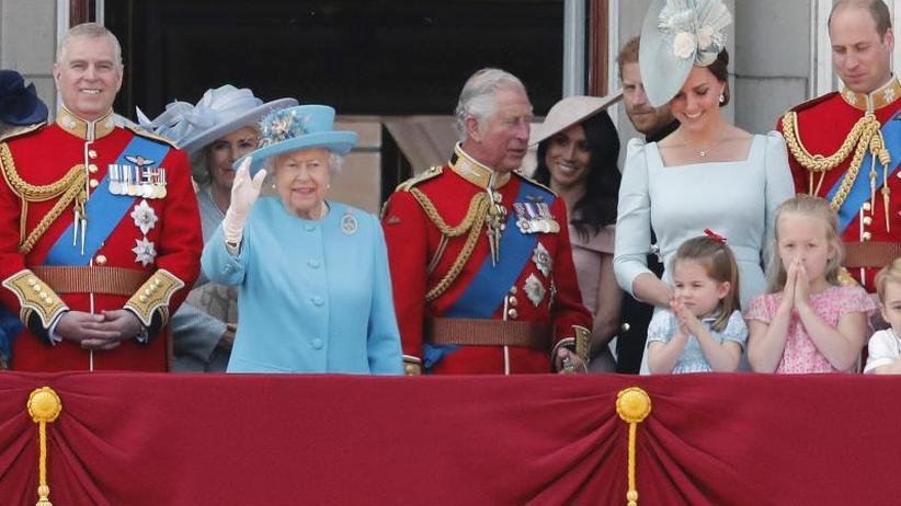 Trooping the Colour: Queen feiert Geburtstag - Herzogin Meghan erstmals dabei