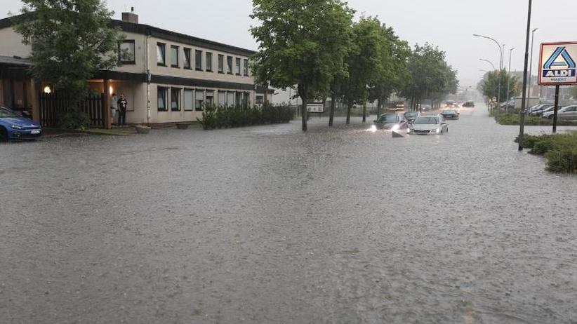 Hitzewarnung im Nordosten: Verbreitete Unwetter über Deutschland