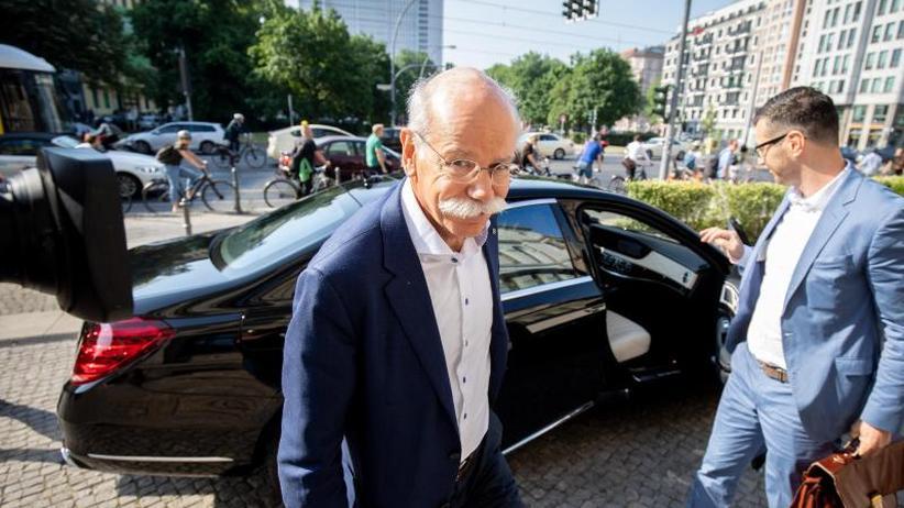 Abgas-Vorwürfe: Daimler-Chef Zetsche erneut bei Minister Scheuer