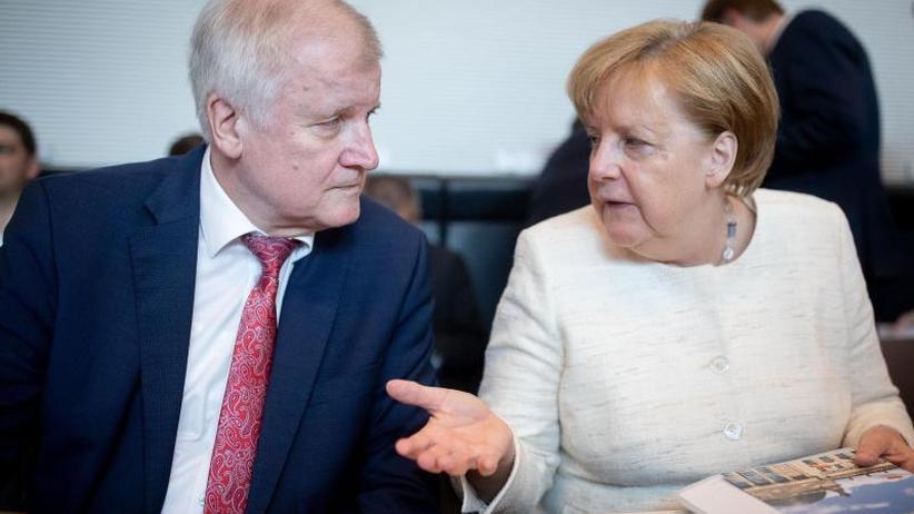 Thema Flüchtlinge: Merkel, Seehofer, Söder und Bouffier beraten im Kanzleramt