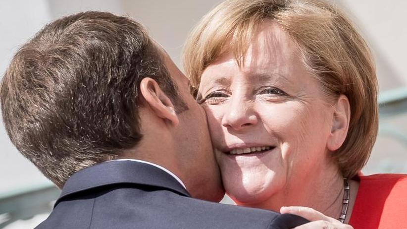 """Analyse: Der """"Schwur"""" von Meseberg: Macron stützt Merkel"""