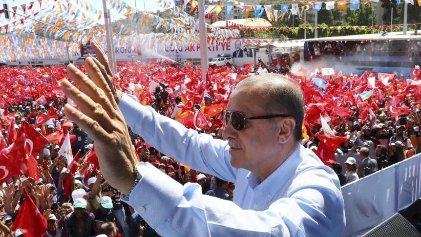 Absolute Mehrheit nicht sicher: Türkei wählt: Muss Erdogan in die Stichwahl?