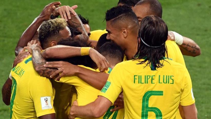 Im Achtelfinale gegen Mexiko: Erster Glanz bei Brasiliens 2:0 gegen Serbien