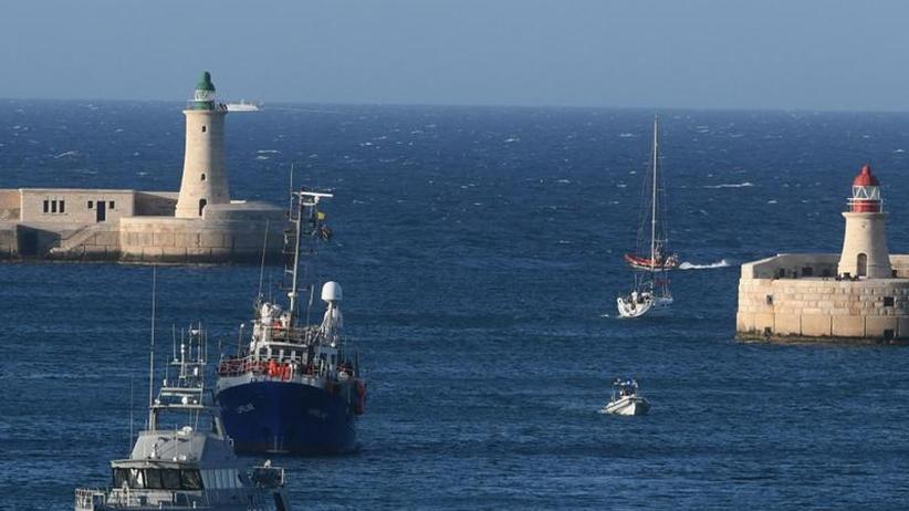 """Schiff wird beschlagnahmt: Rettungsschiff """"Lifeline"""" darf nach Malta - und dann das Aus"""
