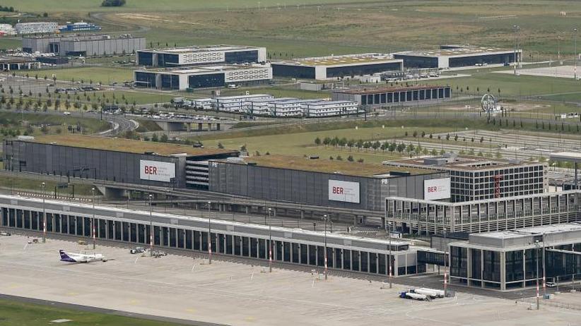 Keine Freigabe: VW muss Autos ohne Zulassung auf BER-Flughafen abstellen