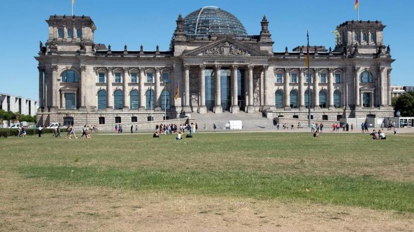 Analyse: Deutschland - Dürreland: Feld bis Friedhof betroffen