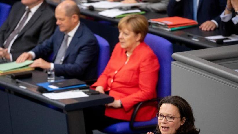 Koalitionsausschuss inBerlin: Durchbruch:Große Koalition einigt sich auf Asylpaket