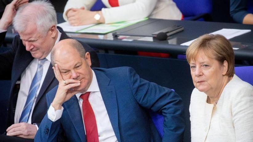 Koalitionsausschuss inBerlin: Durchbruch im Asylstreit:Union und SPDeinig