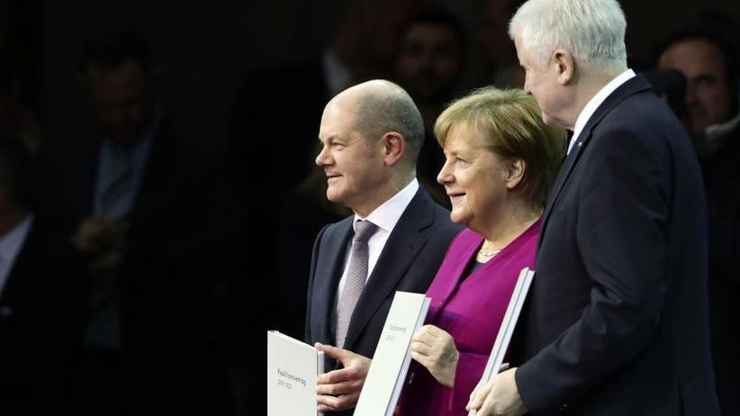 Seehofer auf Rekordtief: Umfrage: Fast 80 Prozent unzufrieden mit Bundesregierung