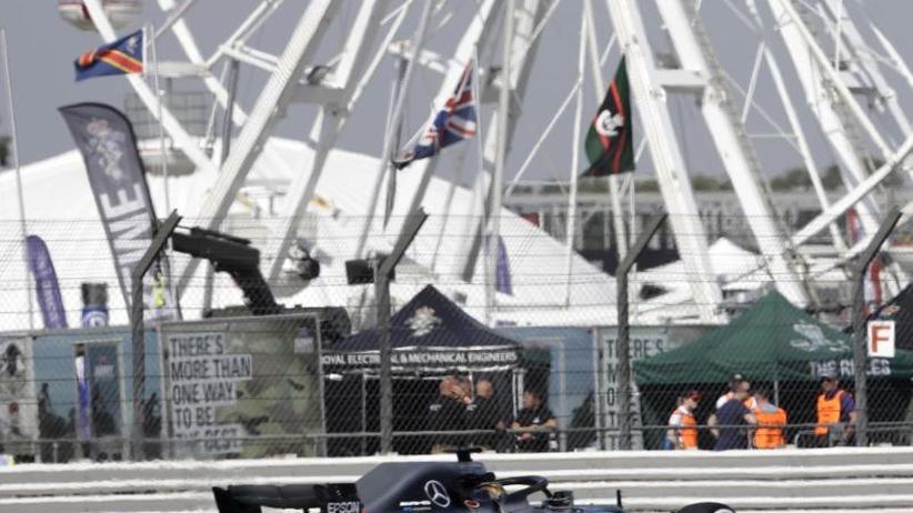 Formel 1: Hamilton im ersten Silverstone-Training vorn
