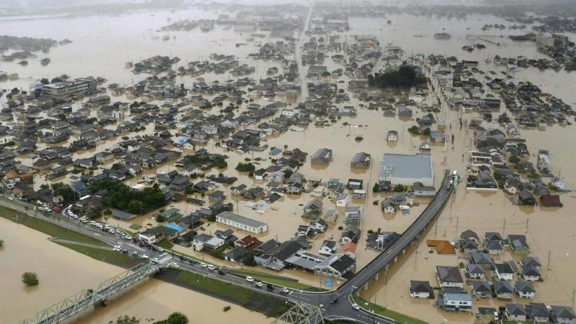 Hochwasser nach heftigem Regen: Unwetter in Japan: Anzahl der Todesopfer steigt auf 65