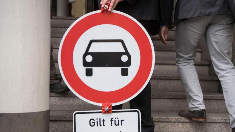 Fahrverbote ab 2019: Ältere Diesel-Autos müssen in Stuttgart draußen bleiben