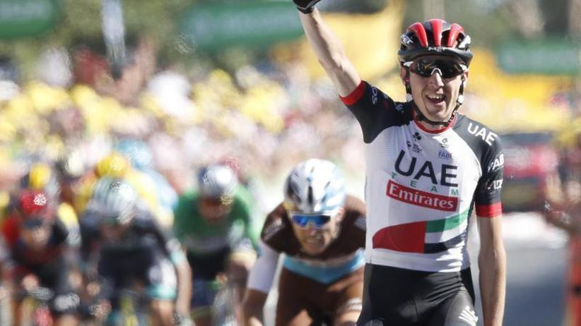 Van Avermaet behauptet Gelb: Tour de France: Ire Martin überrascht an Schlussrampe