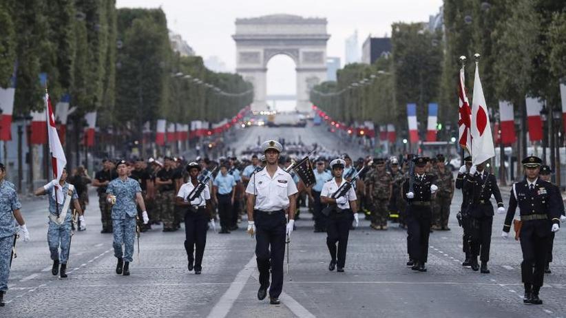 Jahrestag des Attentats: Nationalfeiertag: Frankreich gedenkt der Nizza-Terror-Opfer