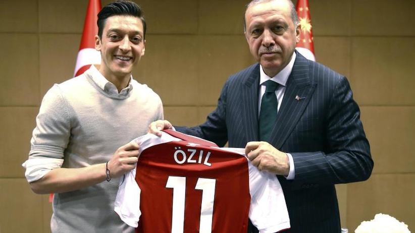 Chronologie: Die Affäre um Mesut Özil und die Erdogan-Fotos in Zitaten