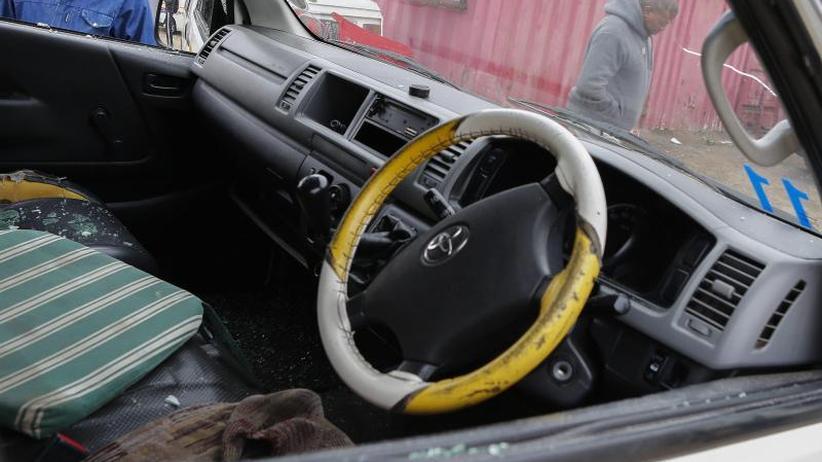 Angriff auf Minibus: Unbekannte töten elf Taxi-Insassen in Südafrika