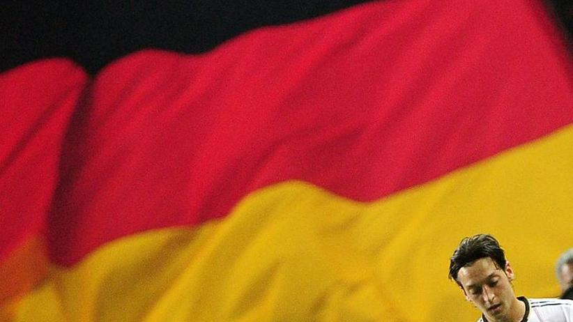 DFB unter Druck: Özil-Rücktritt mit Rassismus-Vorwürfen